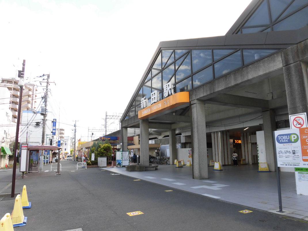 新田駅舎は今風だけど、木造2階建てばかりの周りの伸びしろはハンパない感じ
