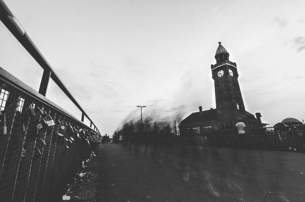 Mistery at Landungsbrücke, Hamburg