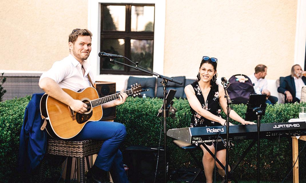 Sektempfang Akustikband Livemusik Florian und Regina