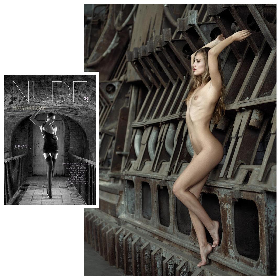 Nude Magazin - Art Issue 20 - 01 2021 - Markus Hertzsch - Girl - Model - Wet - Latex - Nude - Glasses - Water