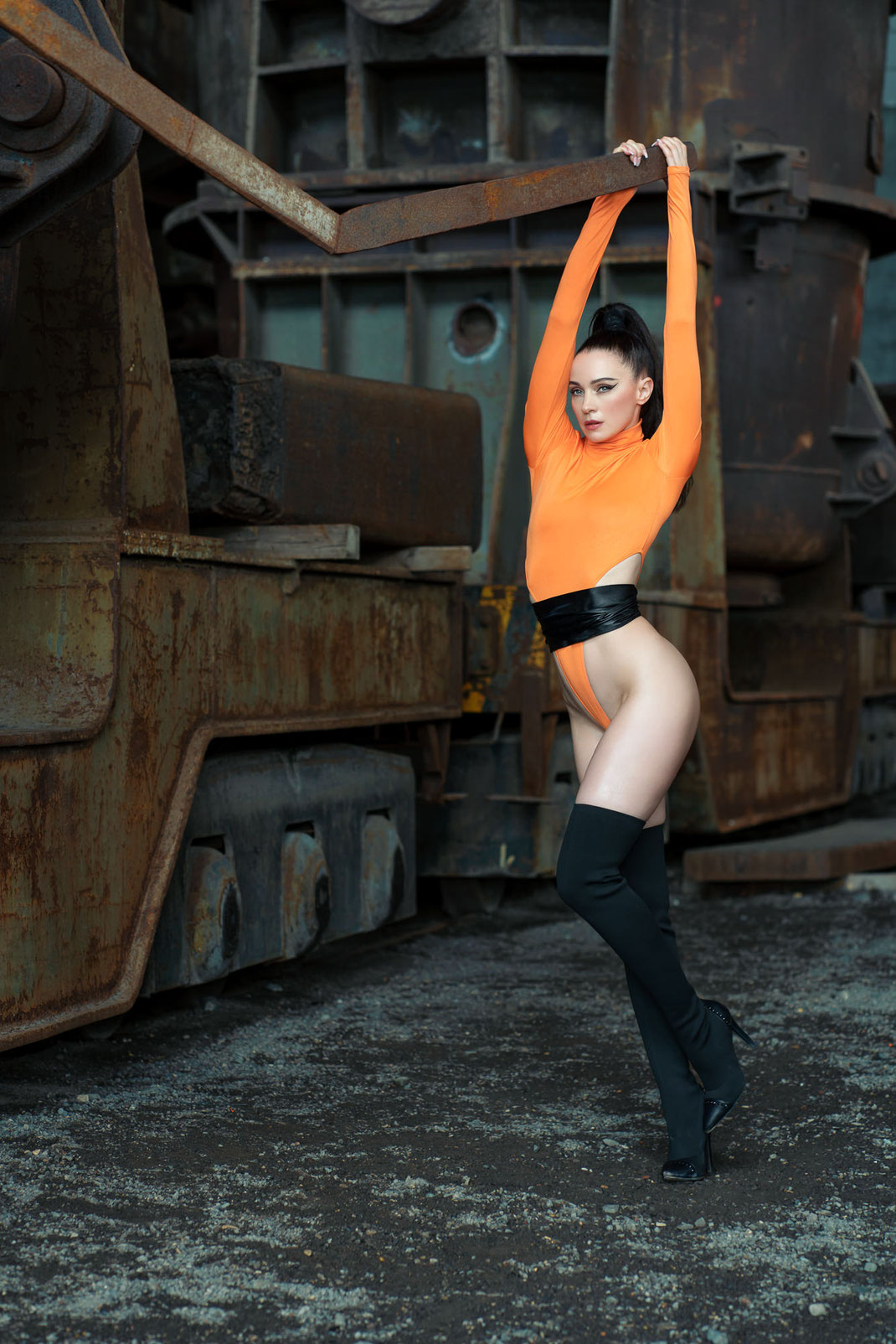 The Song of the Nibelungs - Angélique - Markus Hertzsch - Art - Model - Martine Brun - Jewelry - Body - Iron - Queen - Knight - Portrait