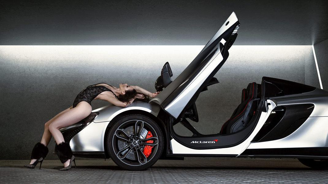 Ambition is a dream with a V8 engine (Elvis Presley) - Angelique - Markus Hertzsch - McLaren - Supersportscar - Model - Girl - Portrait - Look - Colorgrading - Race - Classiccar - Carbon