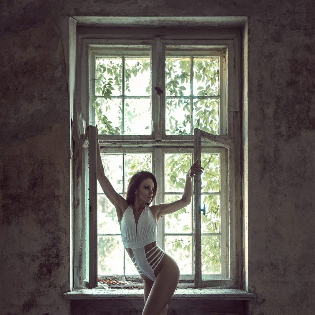 The window - Angelique - Markus Hertzsch