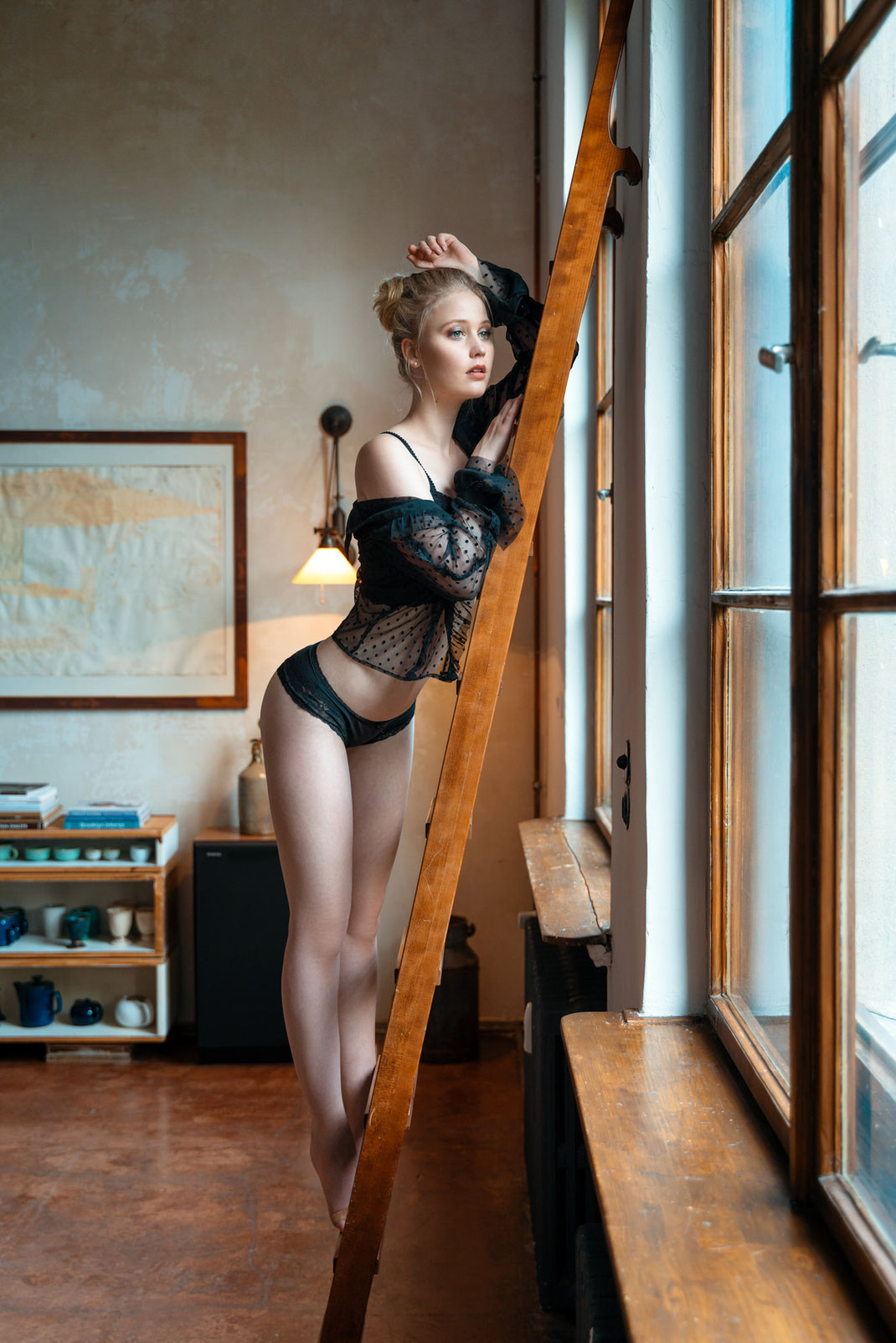 Up the ladder - Antonia - Markus Hertzsch - Portrait - Photography - Model - Girl - Ladder - Window -Lingerie - Body - Pose