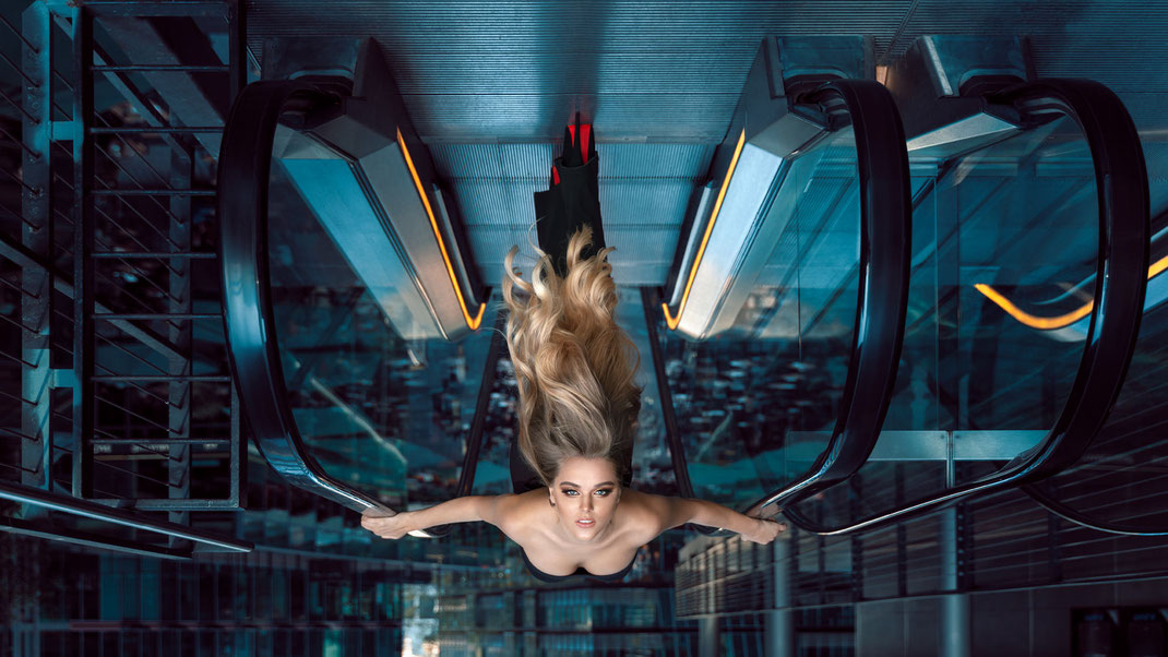 Zero Gravity - Darieta - Markus Hertzsch - Model - Girl - Portrait - Upside - Down - Inception - Reality - Face - Hair