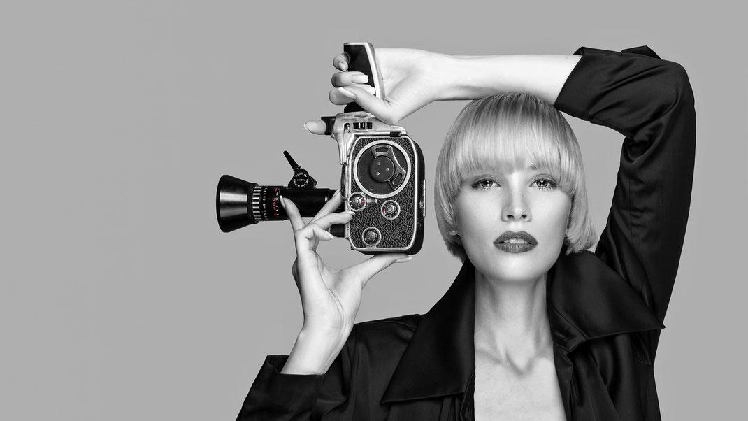 Two Beauties - Jane & Bolex Paillard 8mm - Markus Hertzsch - Camera - Girl