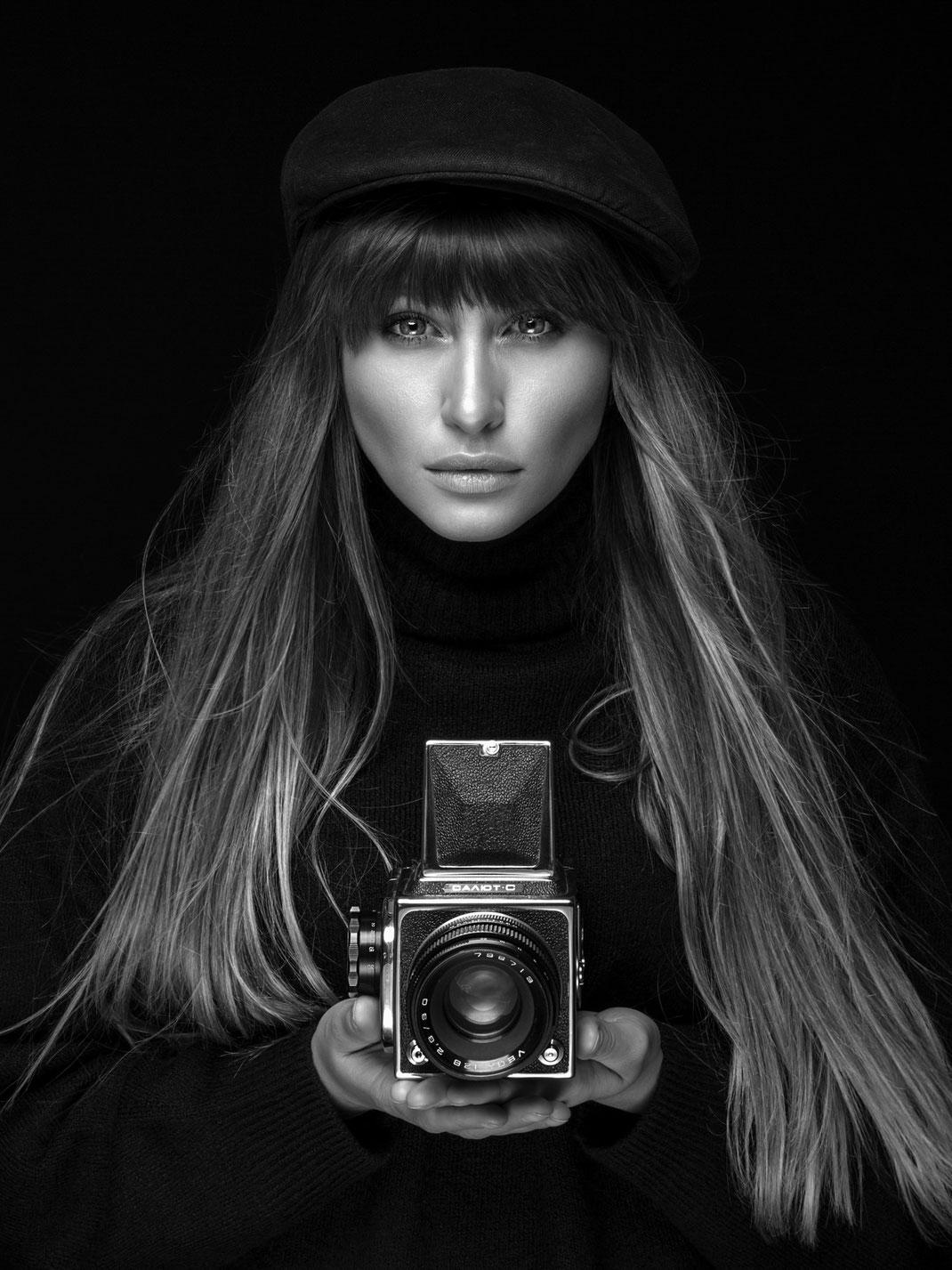 Two Beauties - Kristina & Salyut-S - Markus Hertzsch - Camera - Girl