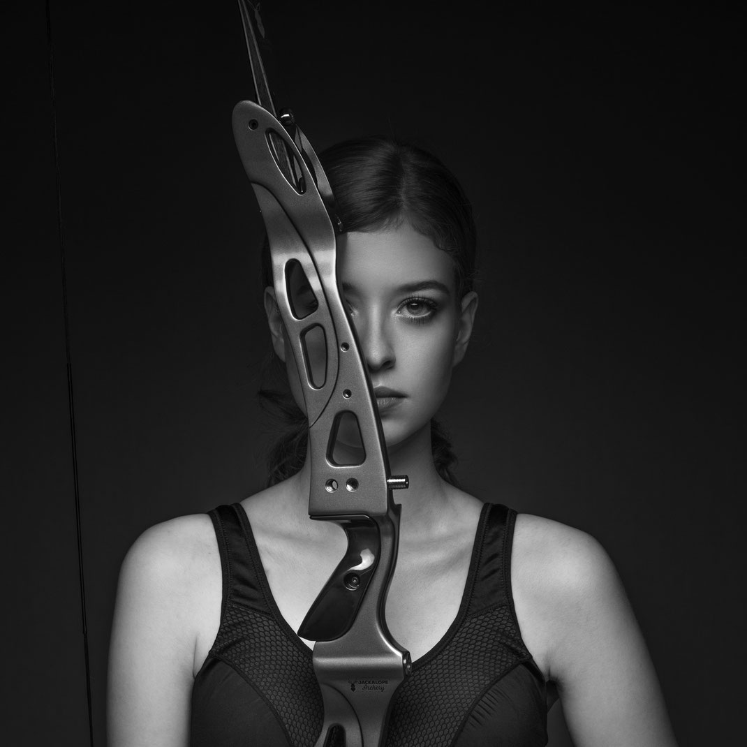 Bow - Sophie - JACKALOPE Zircon  - Markus Hertzsch - Archery - Bow - Arrow - Hunting - Compound - Recurve - Sports - Girl