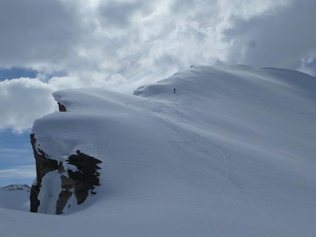 In der etwas steileren Gipfelflanke zum Schartenkopf