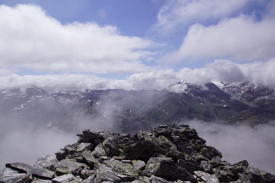Blick durch die Wolken nach Süden