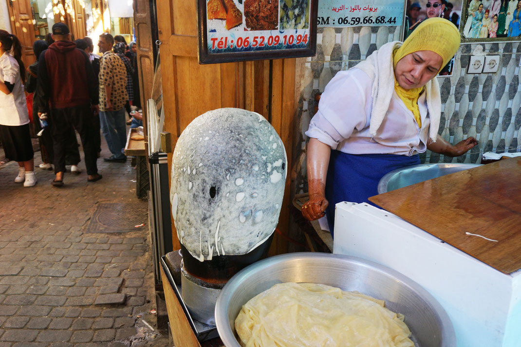 In the Medina of Fez : ultra thin crepes
