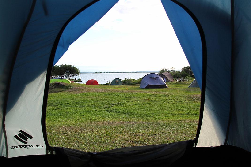 Кемпинг у озера Миватн