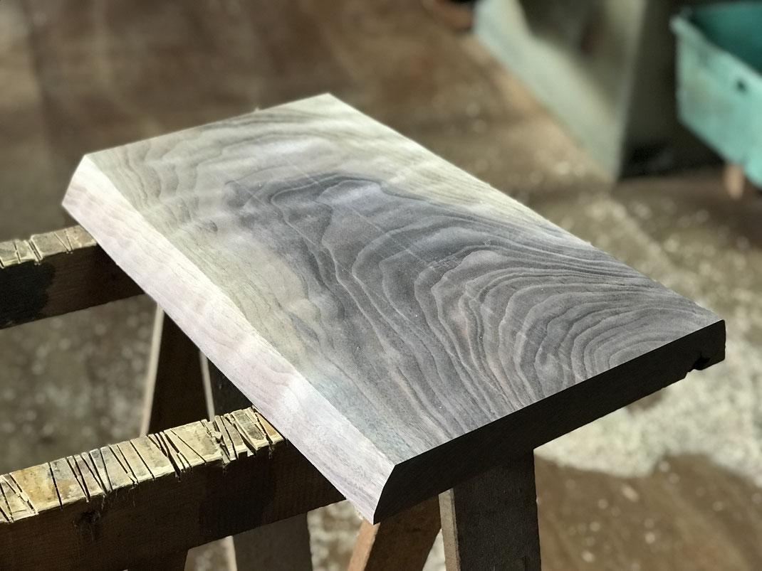 ブラックウォールナットの座板