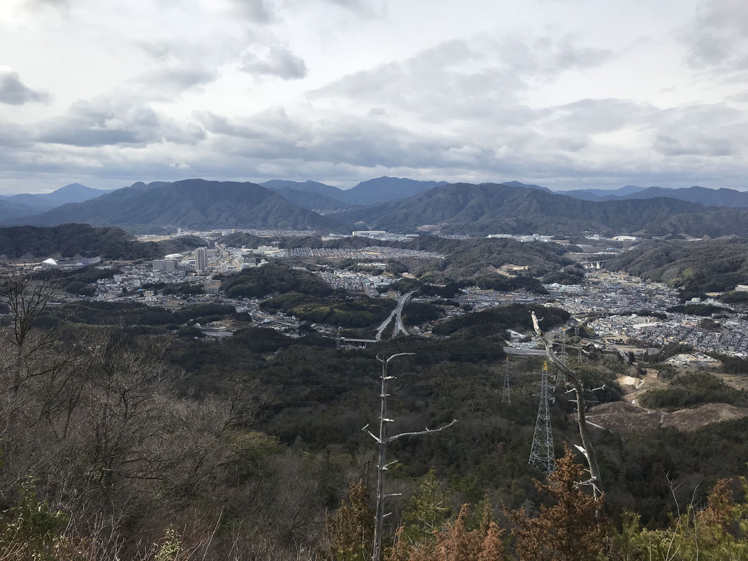 石山山頂景色西風新都方面
