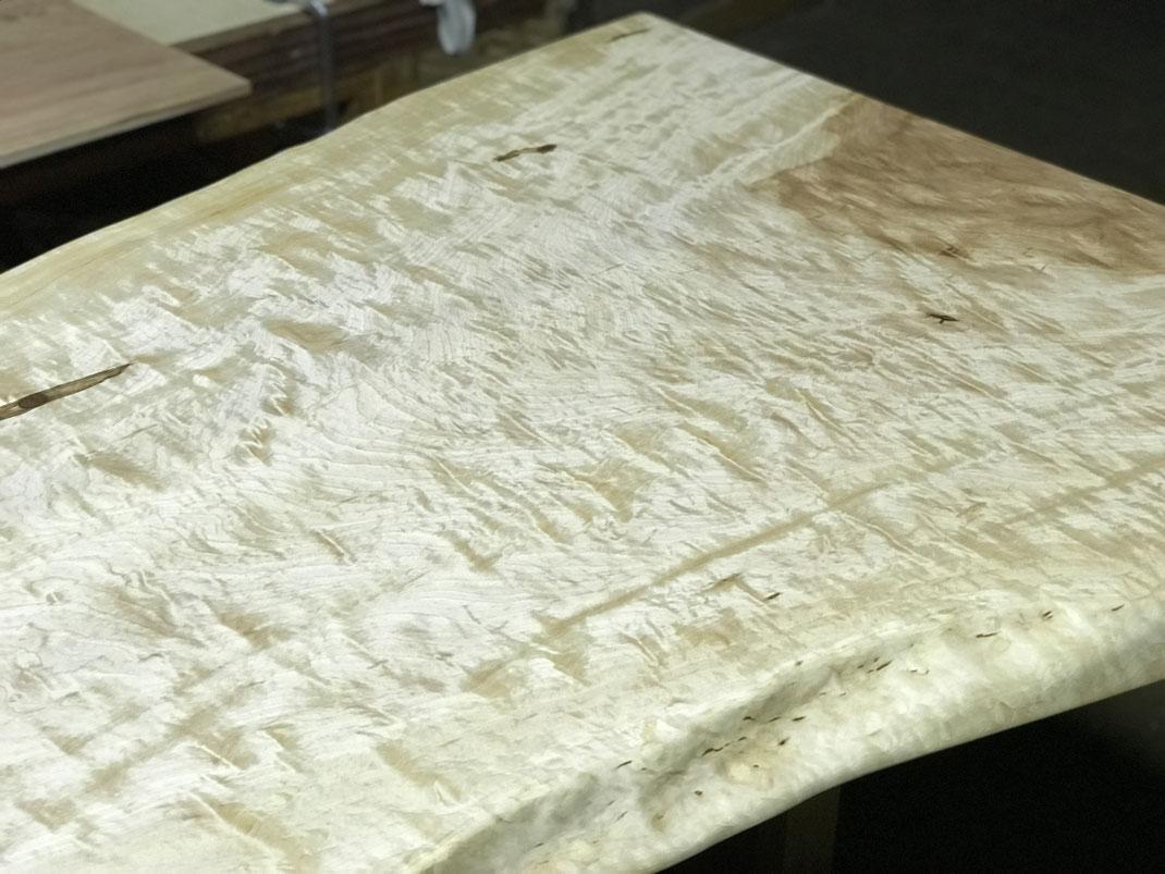 栃一枚板テーブル 杢板
