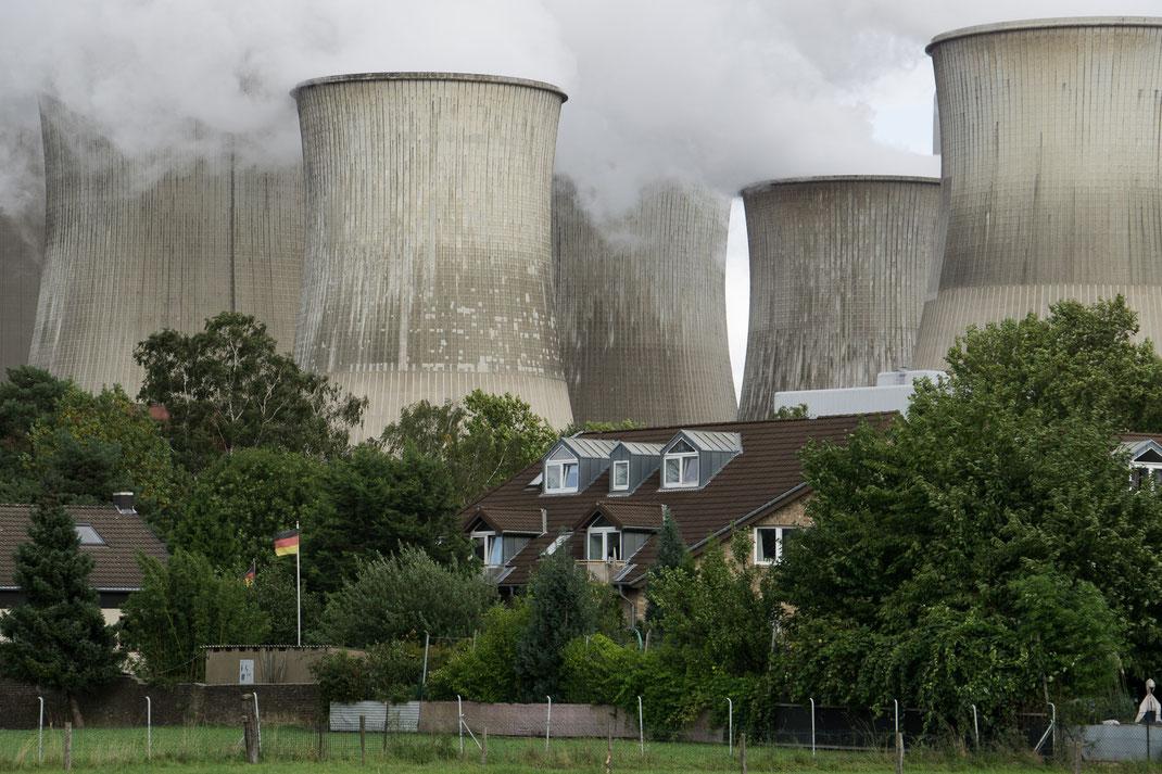 Vorweg gehen RWE Kraftwerk Bergheim Auenheim