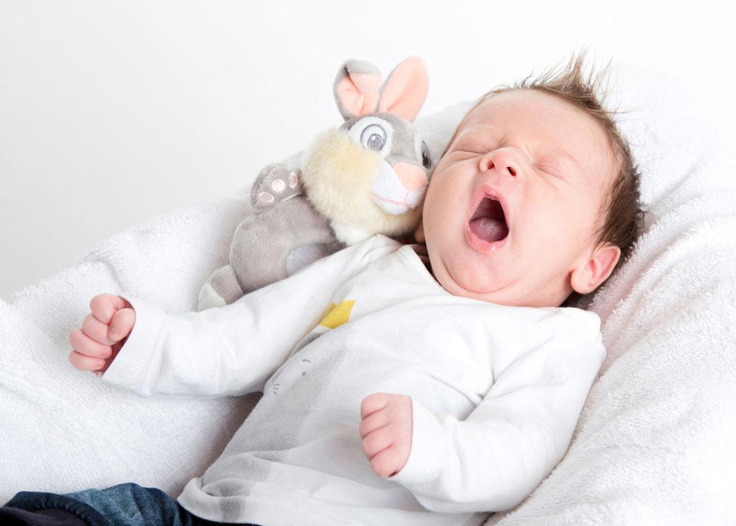 baby-fotoshooting-hamburg-zu-hause-tina taege fotografie