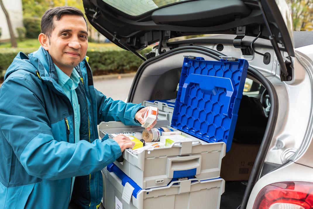 Mobiler Tierarzt Dr. Leandro Lizcano im Einsatz © dokubild.de / Friedhelm Herr (alle Bilder des Interviews)