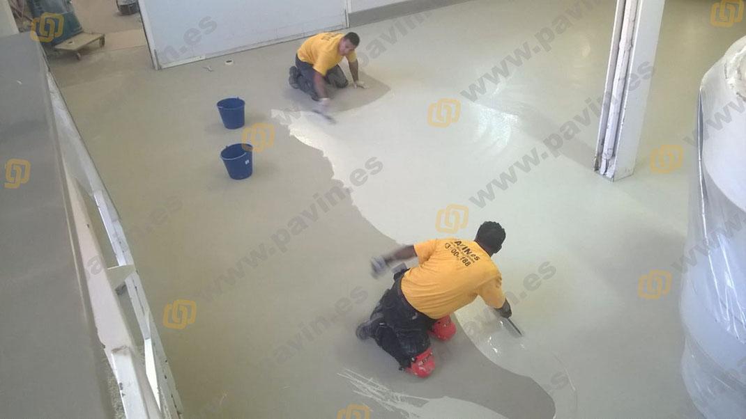 GRUPO PAVIN - Pavimentos industriales | 3 tipos de resina para pavimentos industriales explicados brevemente