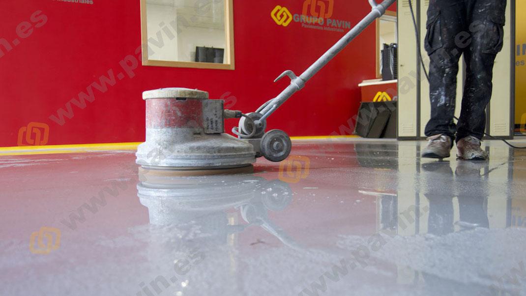 Manual sobre la limpieza, mantenimiento y protección de los pavimentos industriales
