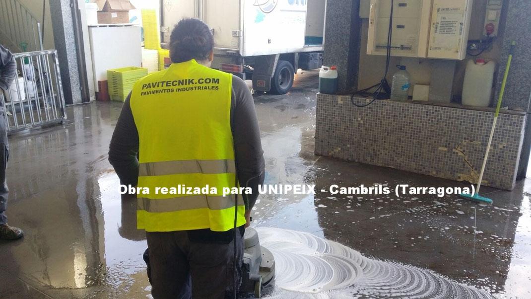 Desinfectantes industriales para suelos y pavimentos industriales de resinas continuos en Barcelona