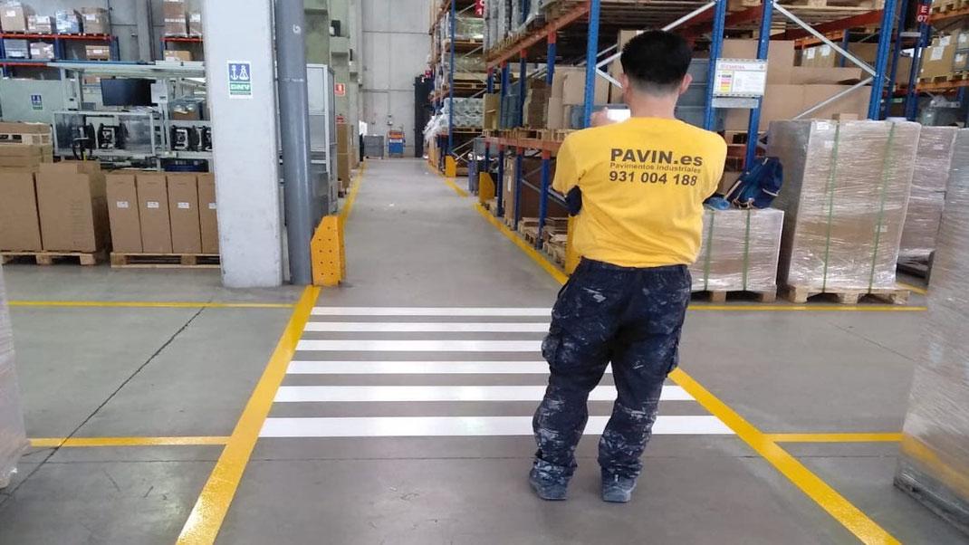 Señalización industrial en un fin de semana sin interrumpir la actividad de la empresa