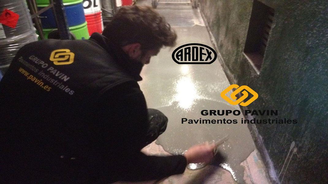 aplicación de morteros autonivelantes para suelos y pavimentos industriales de resinas en Barcelona