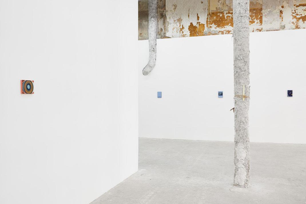 """Just a head"" , Alexandra Noel, Galerie Atlantis Lumière, Marseille, 2019, © Jean christophe Lett"