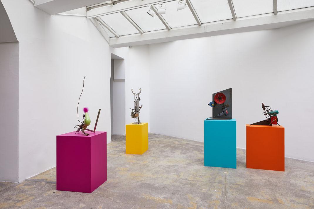 """""""Bricolages et Débri(s)collages"""", Jean Tinguely, Galerie Vallois, Paris, 2019, © Jean-Christophe Lett"""