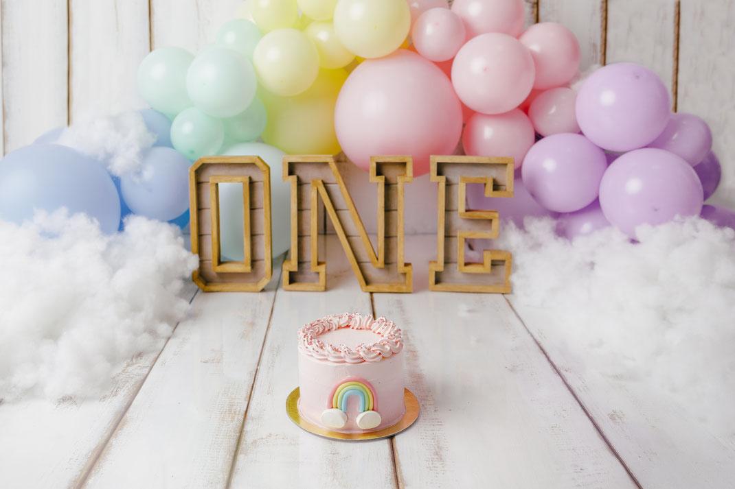 Cakesmash Regenbogen, Kuchenshooting erster Geburtstag, Rainbow theme, Kindershooting Gummersbach NRW, Pastelltöne