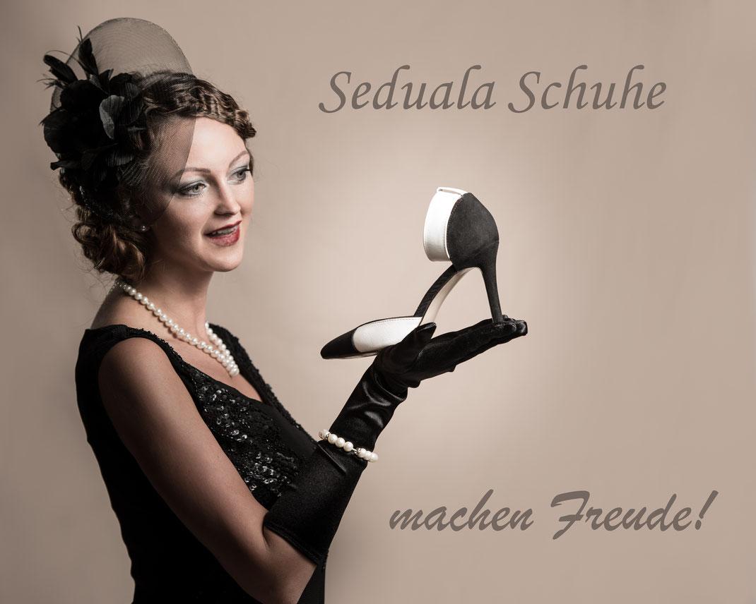 Michael G. - Foto 2 - Seduala Schuhe (Model: Yvonne Haubenwallner, Makeup: Lisa Trippolt, Haare: Verene Schattner)