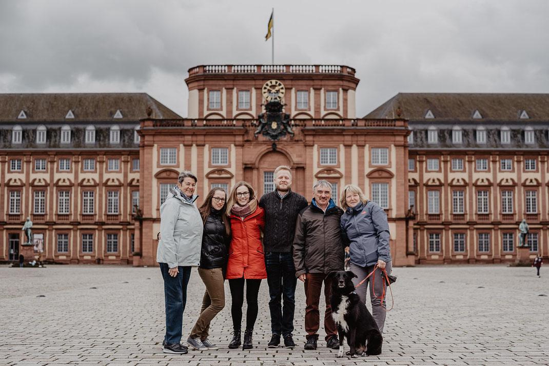 Familienfotos beim Barockschloss Mannheim by Sebastian Pintea