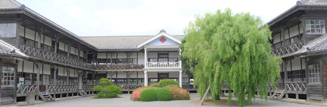 朝ドラ「おかえりモネ」の舞台・登米市にある「みやぎの明治村」教育資料館(旧登米高等尋常小学校)木造校舎