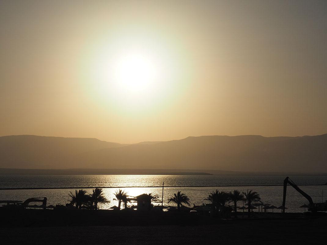 Amanecer en el Mar Muerto
