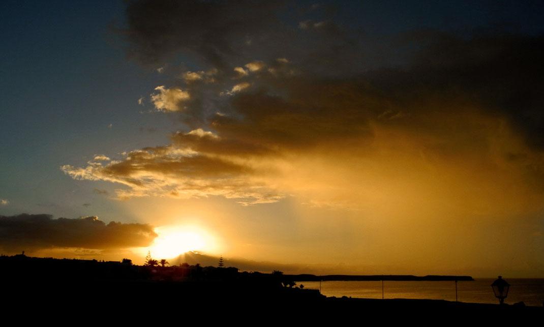 Ortszeit 8.13 Uhr - Sonnenaufgang Playas de Papagayo