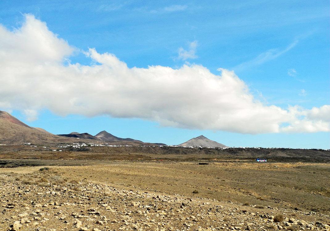 5.10. - Blick aus dem Gebiet der Salinas de Janubio auf Las Breñas