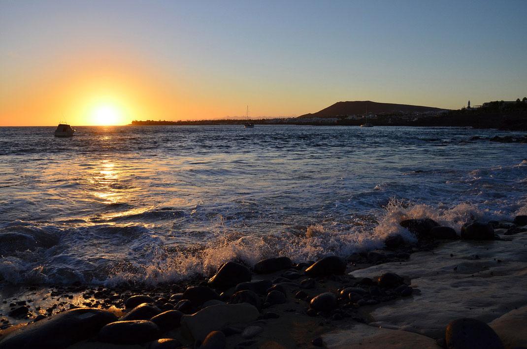 In der Nähe der Playa Dorada, rechts der Montaña Roja