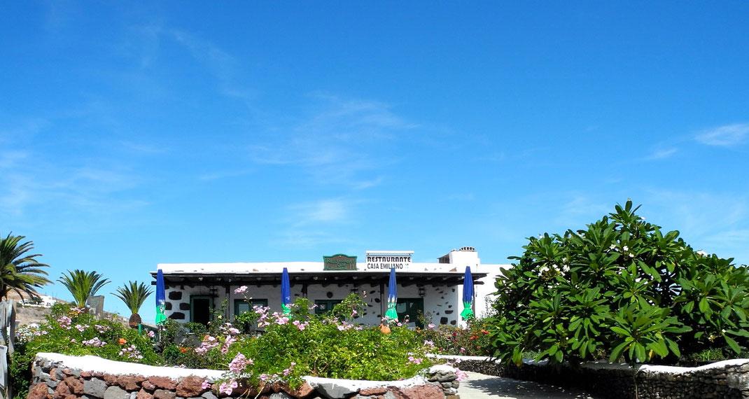 "Restaurante ""Casa Emiliano"""