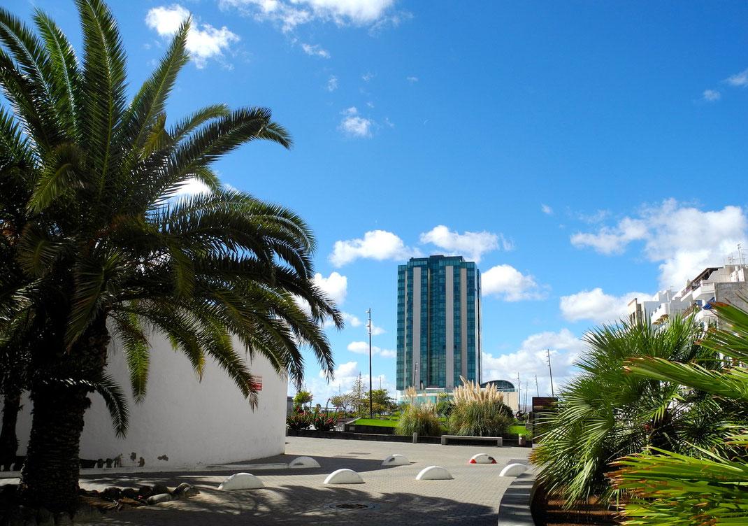 """""""Arrecife Gran Hotel"""" - das einzige Hochhaus auf der Insel Lanzarote -"""