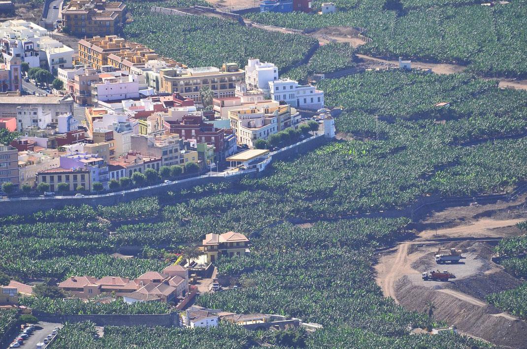 """Villa de Tazacorte - im Bild links unten das neue Hotel """"Hacienda de Abajo"""""""