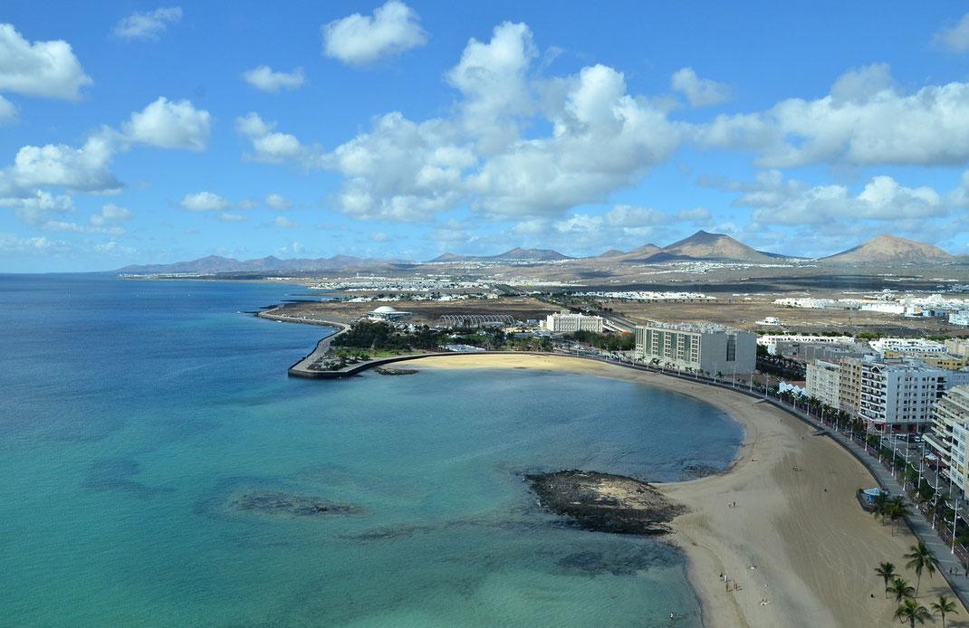 "Arrecife, Blick aus dem 18. Stockwerk des Bistros des ""Arrecife Gran Hotel"""