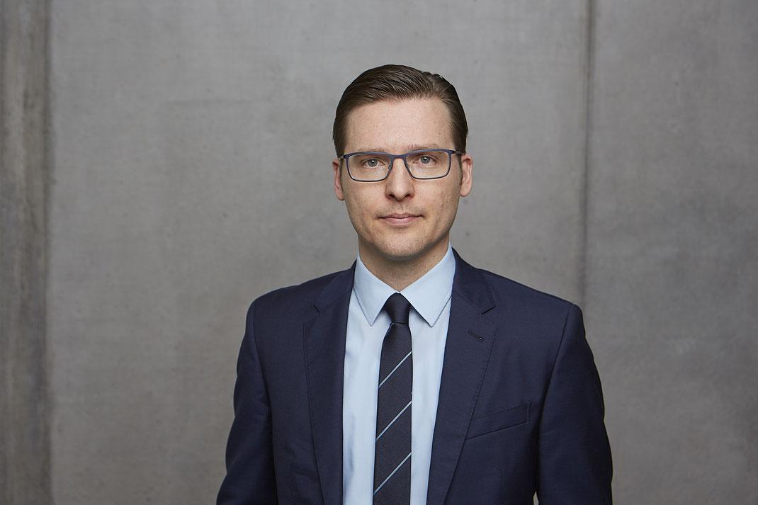 Das Team von Patientenanwalt Michael Graf aus Freiburg hilft bei Schadensersatz, Behandlungsfehler und Versicherungsrecht.