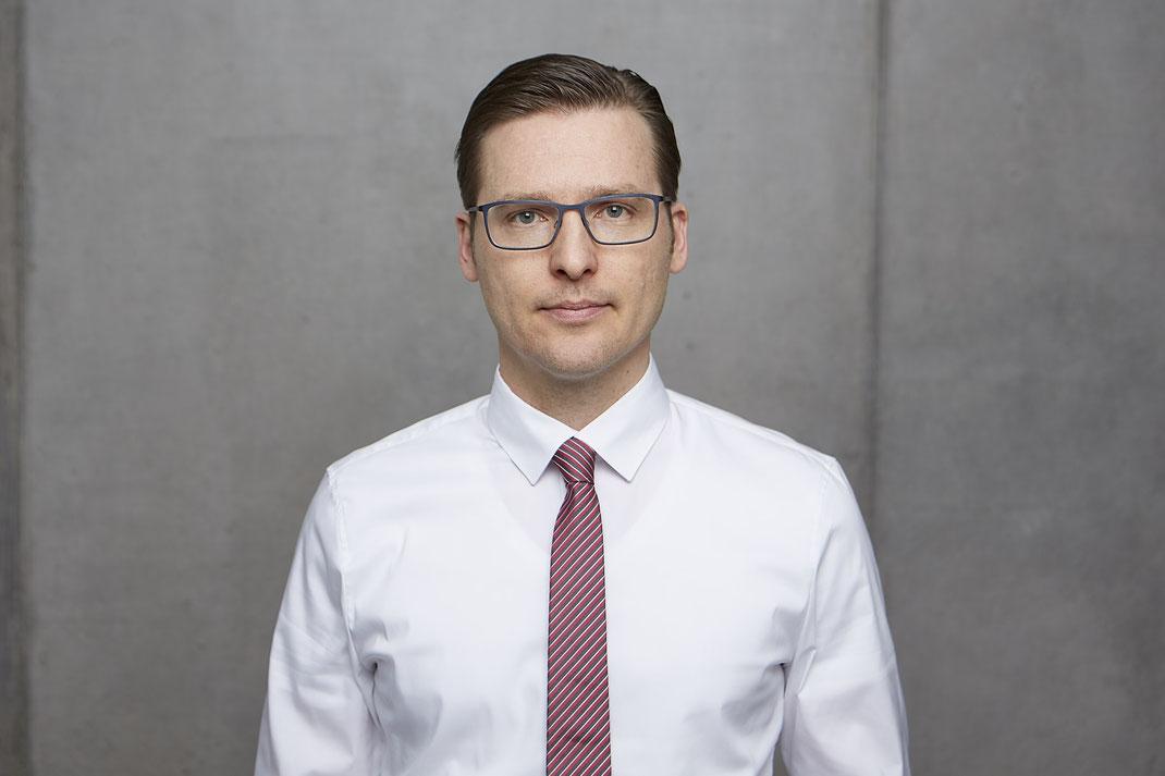 Das Team von Patientenanwalt Michael Graf aus Freiburg hilft! Bei Behandlungsfehler und Versicherungsrecht.