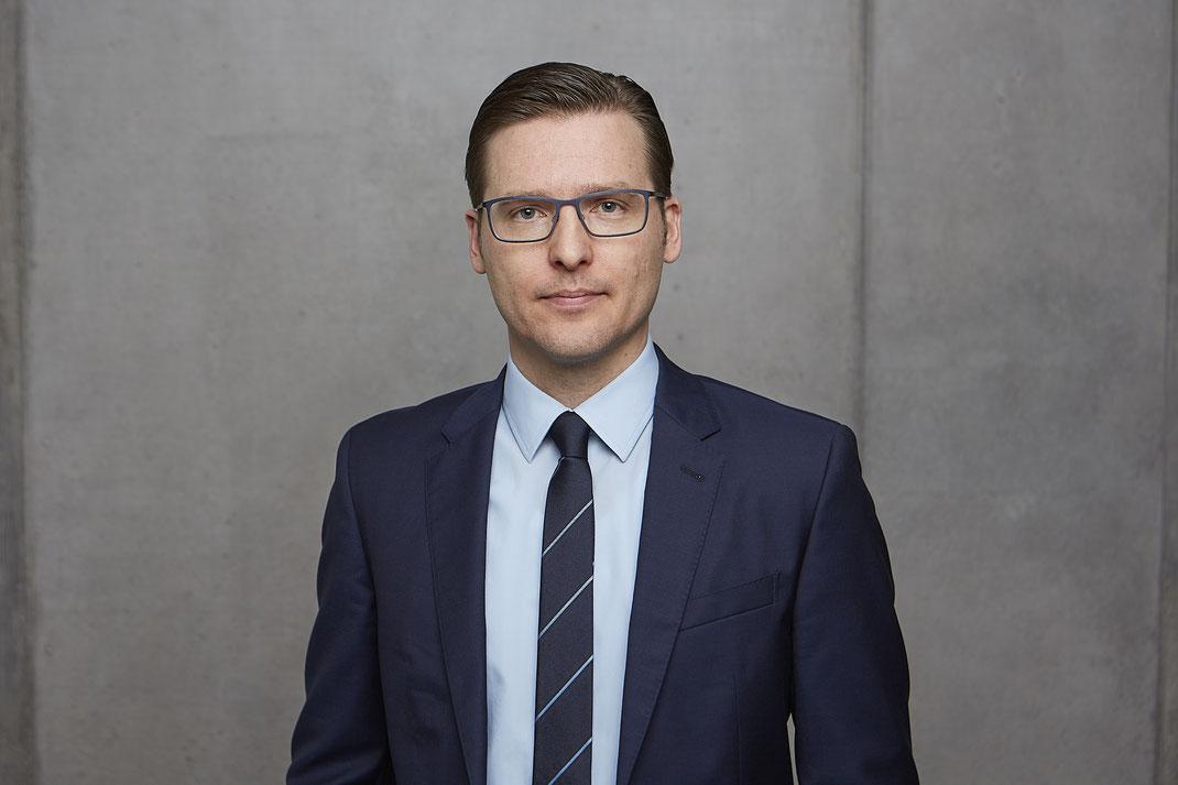 Das Team von Patientenanwalt Michael Graf aus Freiburg hilft bei Produkthaftung und Versicherungsrecht.