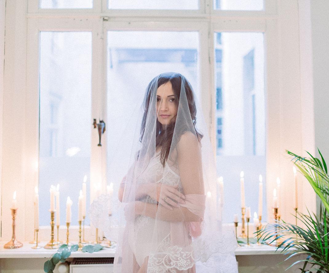 Brautwäsche, boudoir, linguerie, outofbed, teramico, eventfloristikeichinger, carolinghodoussi, sabinelange, fotograf bremen, portrait