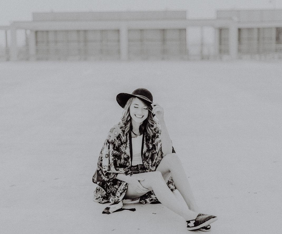 streetfashion, ikea, fotografie, streetphotographie, beauty, portrait, woman, asos, boho, streetart, sabinelange, carolinghodoussi, sophieknispel, fotograf, bremen