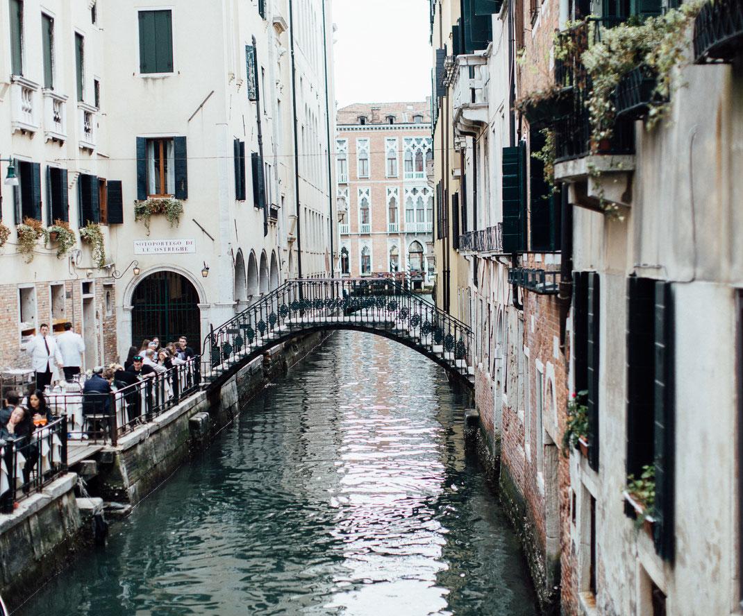 Venedig, venice, venezia, italien, italy, sunset, gassen, rialto, streetphotography, sabinelange, photolauricella