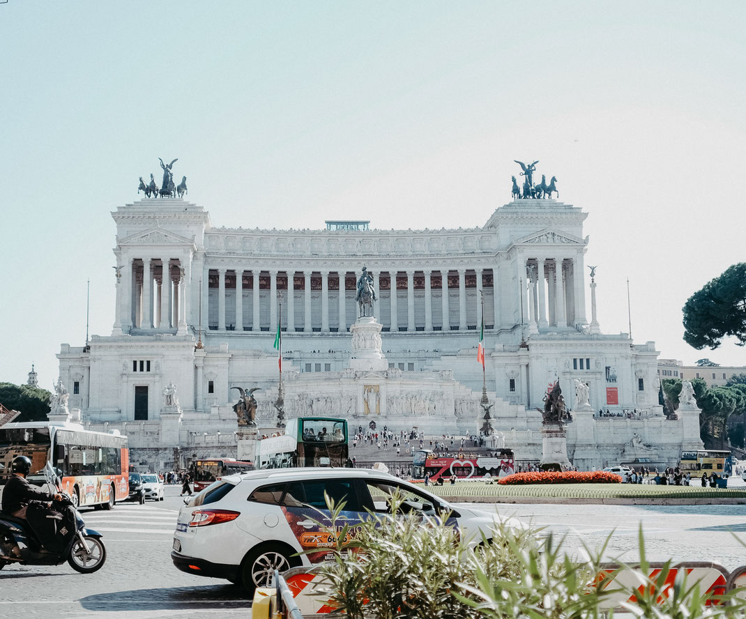 Italien, gardasee, gardalake, italy, palazzonovello, destinationwedding, elegantwedding, bohowedding, greenweddingshoes, sabinelangefotografie