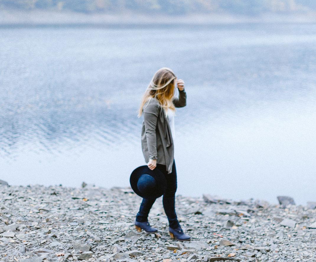 Portrait, Aggertal, Agger, Talsperre, Staudamm, Natur, Landschaft, Selfie, Compagnon, beate Lauricella, Sabine Lange, Fotograf, People, Streetphotography, Gummersbach