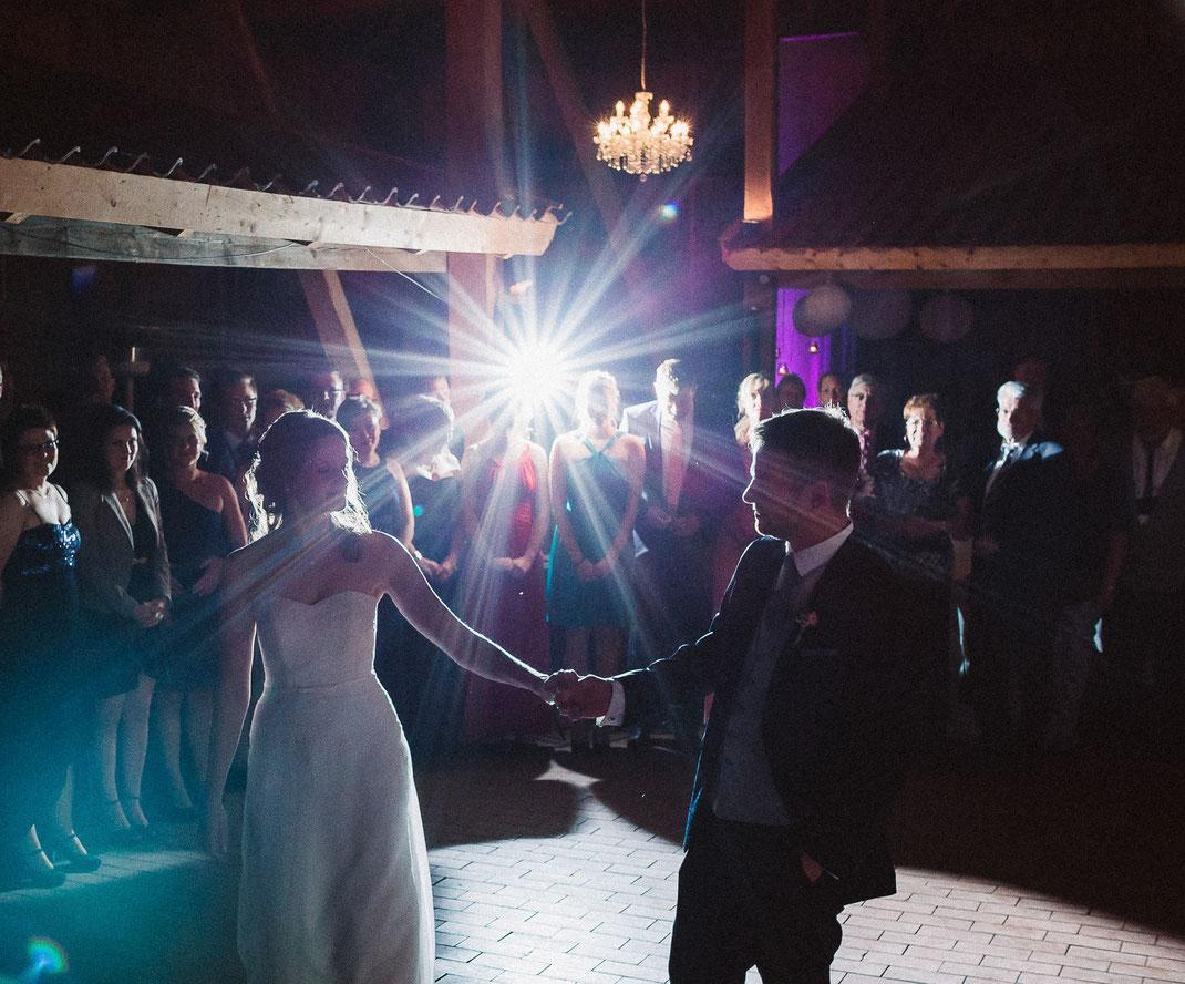 Hochzeit, wedding, wildeshausen, hochzeitsfotograf, braut, brautkleid, Gut Altona, Heide, Petruper Gräberfelder, Wilvort, Piccadally Band, Ladybird, Hochzeit Nordsee, Sabine Lange Fotografie